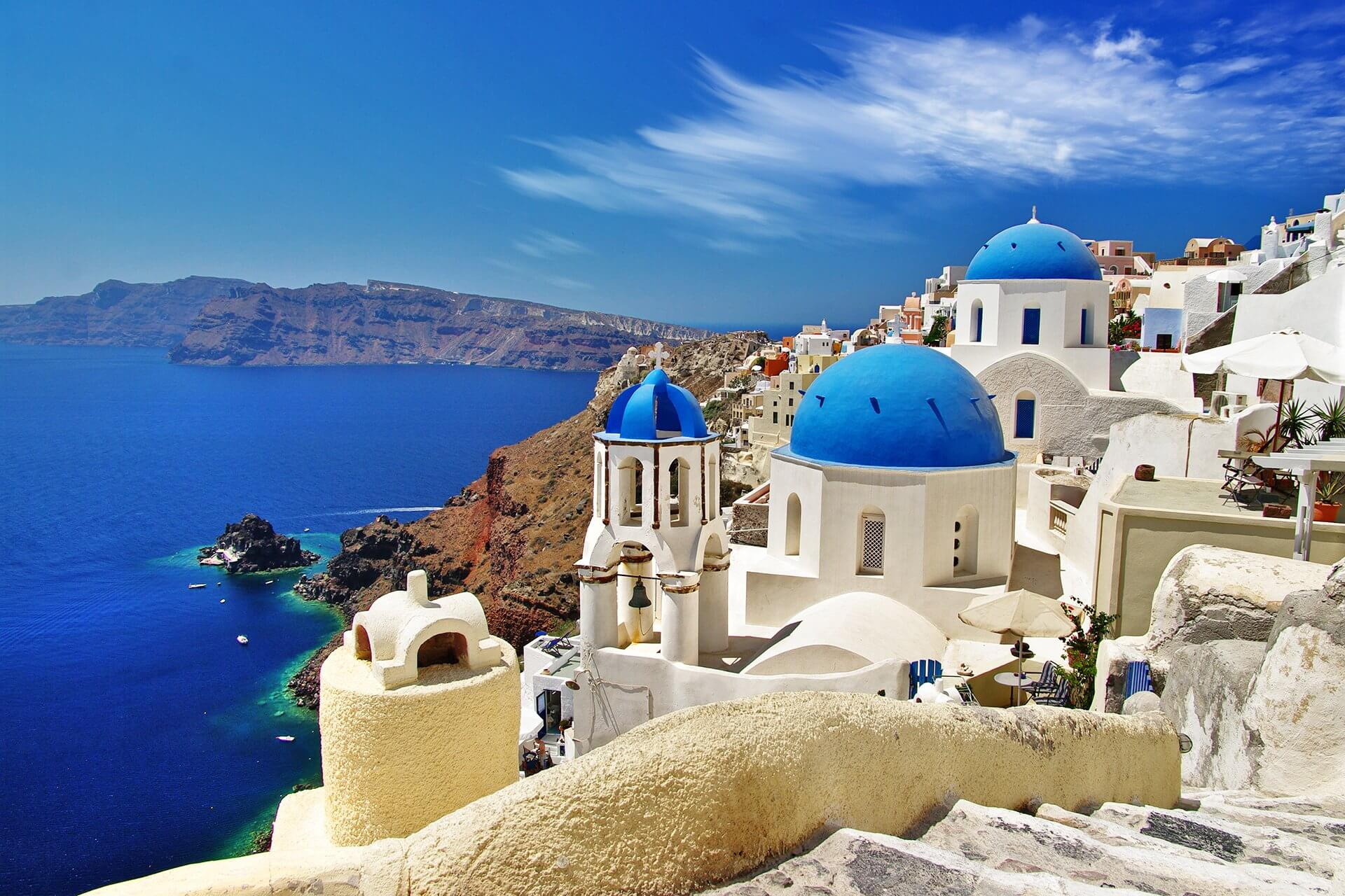 Transfer from & to Oia | Transportation Oia | Santorini-Transfers